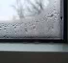 Что лучше: открытые окна или вентиляция?