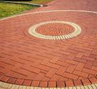 Чем хороша тротуарная плитка