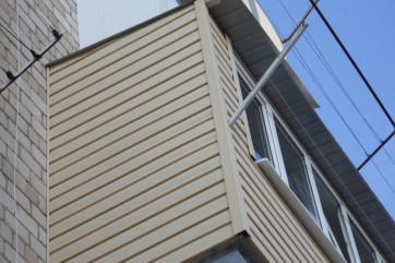 Отделка лоджий и балконов сайдингом