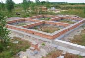 Создаем фундамент под загородный дом