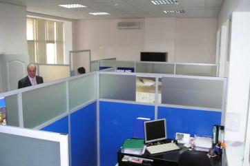 Мобильные офисные перегородки: простор и комфорт в помещении