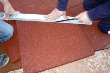 Как положить керамическую плитку на пол