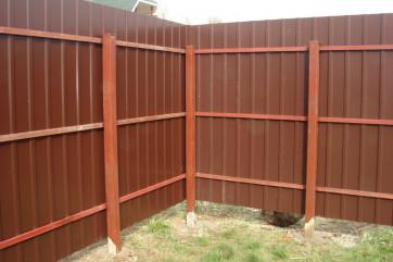 Выбираем забор для дачи: материалы