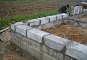 Фундамент для дома из пеноблоков на глинистой почве