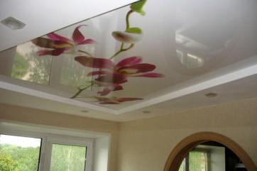 Натяжные потолки – уникальные свойства и особенности материала