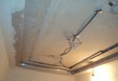 Что делать в первую очередь – натяжной потолок или обои