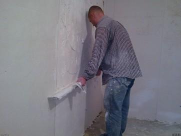 особенности окрашивания стен