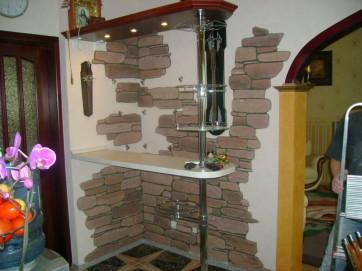 Этап третий: как укладывать искусственный камень на стену