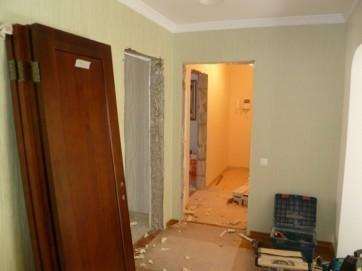 Демонтаж старых дверей