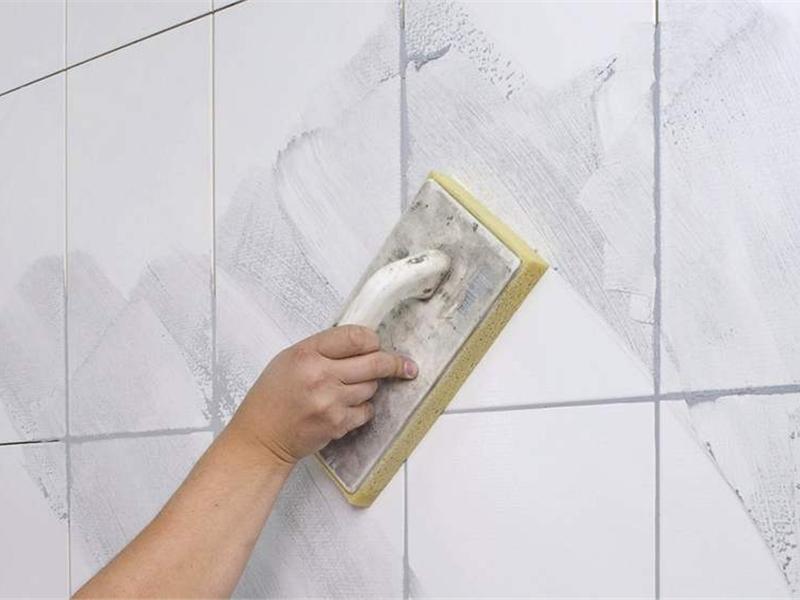 Как обновить кафельную плитку на полу в ванной своими руками