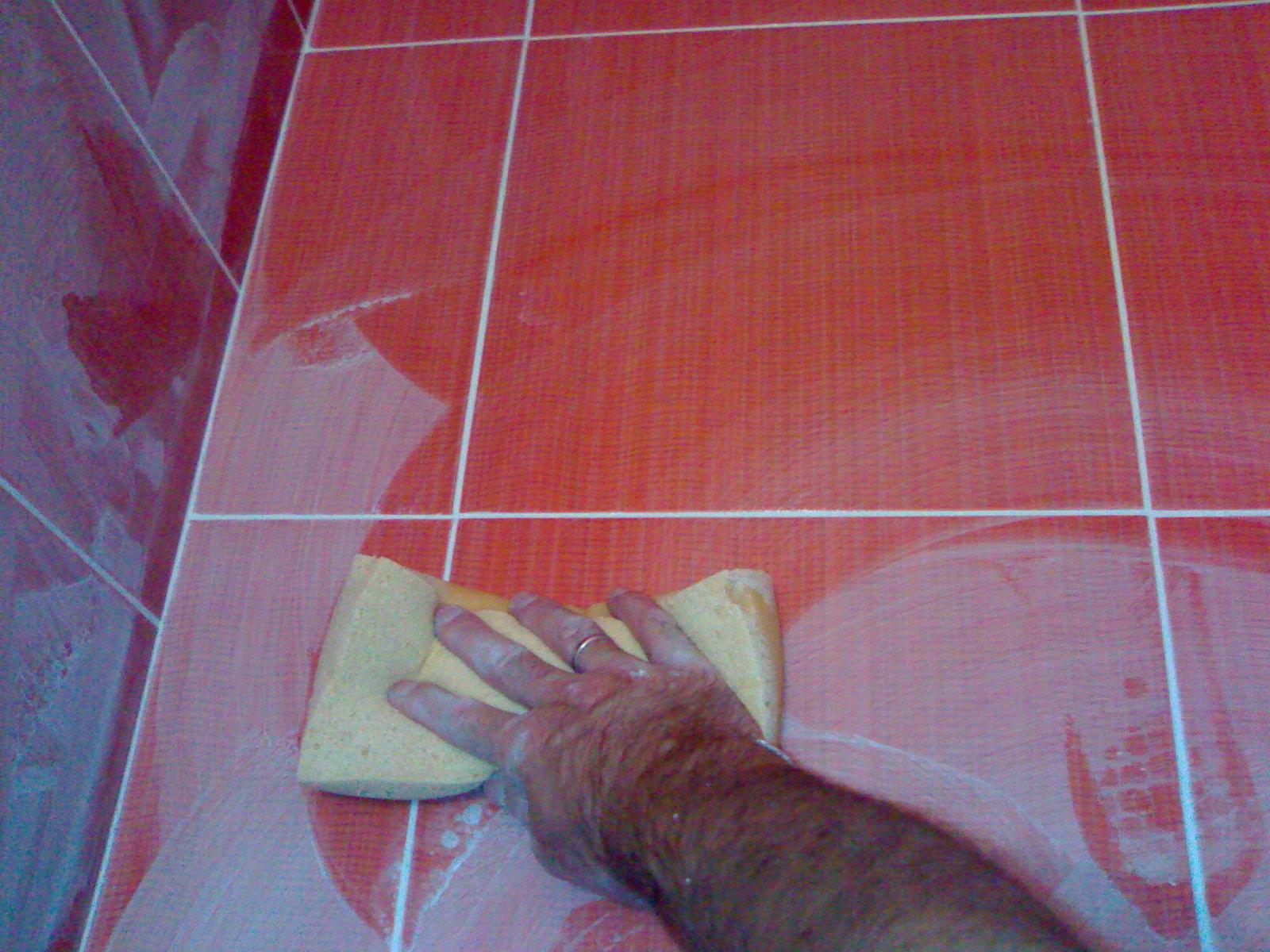 Затирка швов плитки своими руками на полу