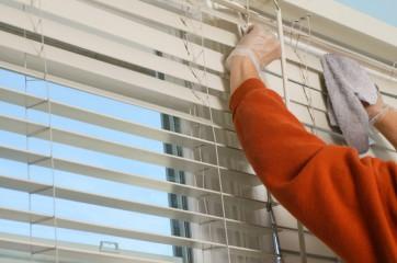 Как почистить жалюзи в домашних условиях правильно